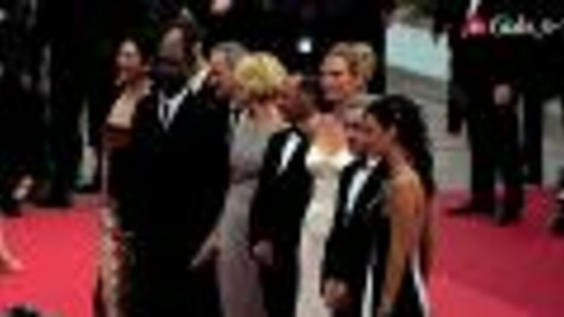 Owen Wilson, Léa Seydoux, Woody Allen, Salma Hayek sur le tapis rouge d'ouverture (11/05/2011)