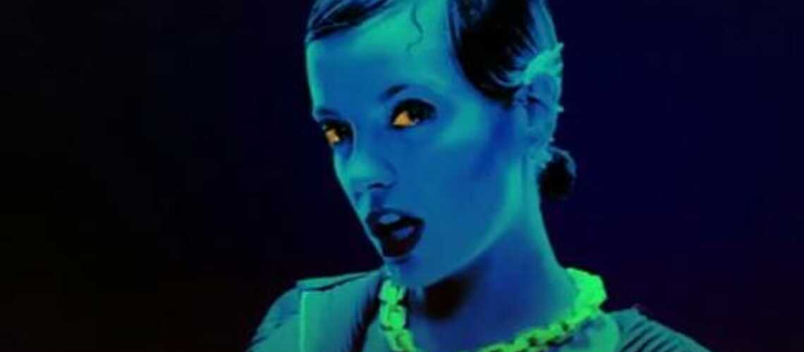 Vidéo- Lily Allen tape sur tout le monde