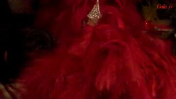 Video – Dans les coulisses du Moulin Rouge