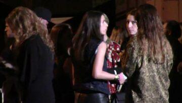 Vidéo – Mlle Agnès et Justin Bieber: un bisou au show Saint Laurent
