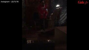 VIDEO – Cruz Beckham chante du Justin Bieber et c'est adorable!
