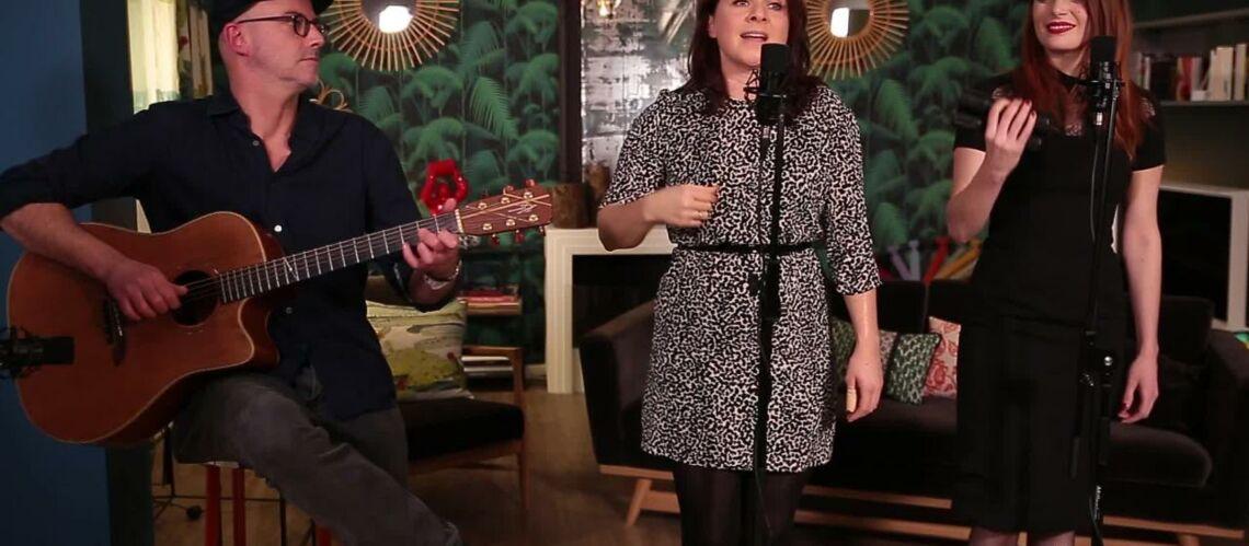 VIDEO GALA – Élodie Frégé accompagne Mélanie Pain dans une reprise de «God save the Queen»