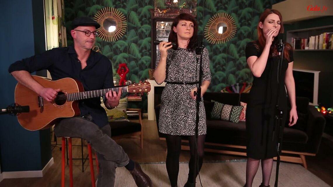 VIDEO GALA – Elodie Frégé chante «La pluie et le beau temps»