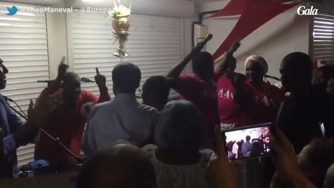 VIDEO – Emmanuel Macron danse le zouk en Guadeloupe