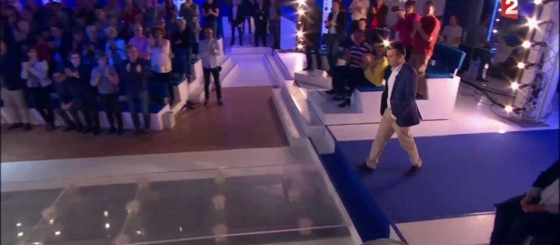 VIDEO – ONPC: Clémentine Célarié refuse de serrer la main de Florian Philippot