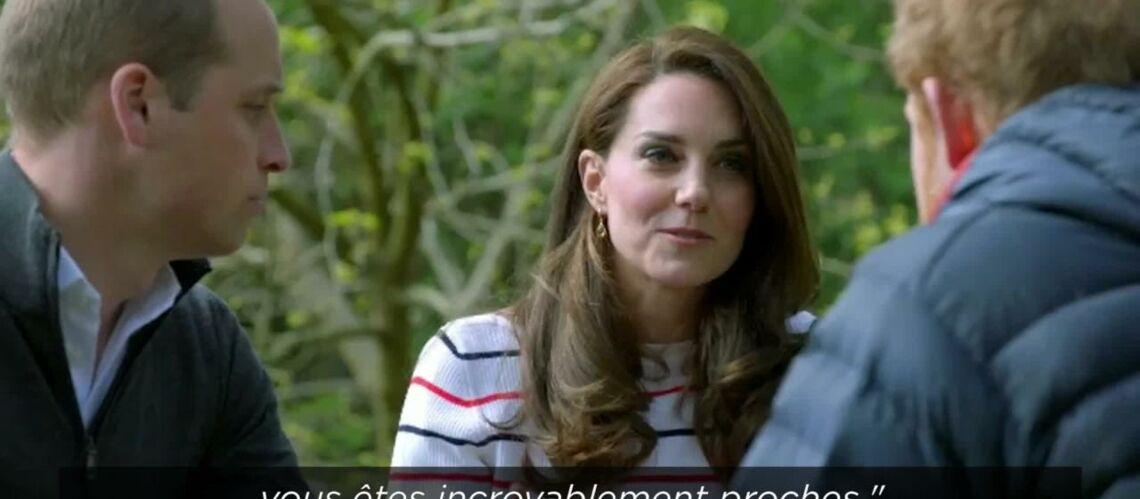VIDEO – Les princes William et Harry n'ont «jamais vraiment parlé» de la perte de leur mère
