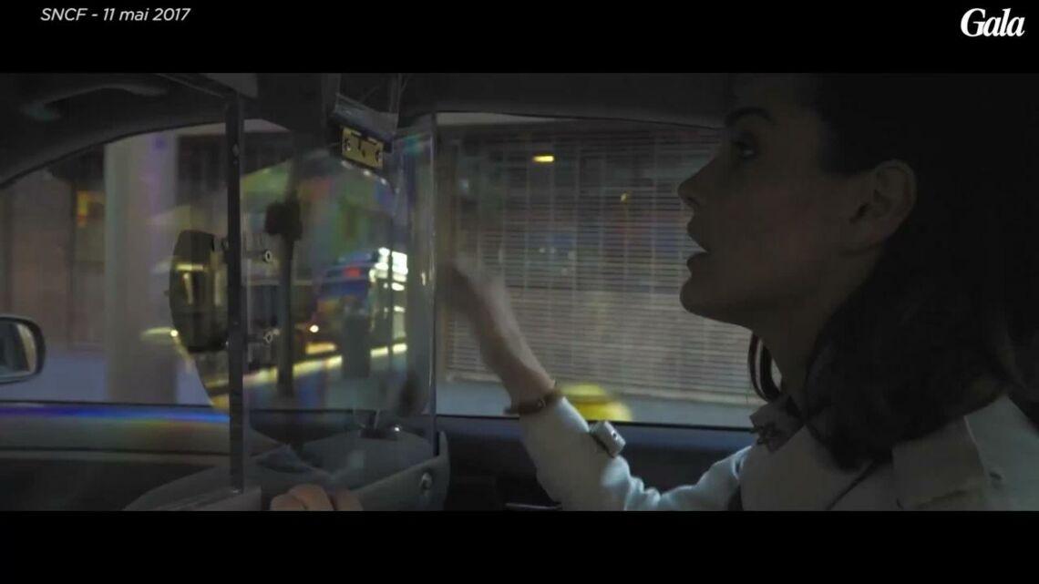 VIDEO – Découvrez pourquoi Camille Lou harcèle Kevin Costner