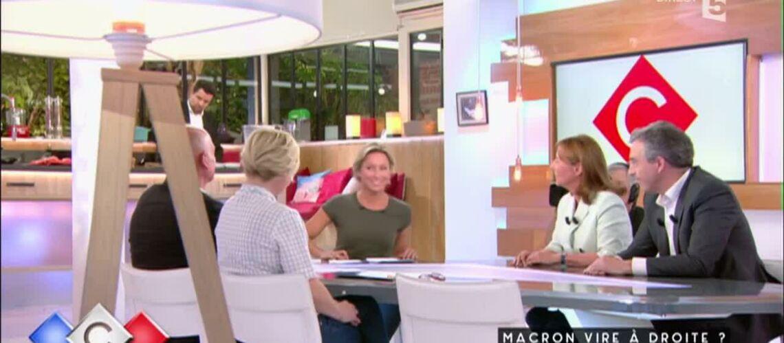 VIDÉO – Ségolène Royal met mal à l'aise Anne-Sophie Lapix avec une petite blague sur son arrivée au JT