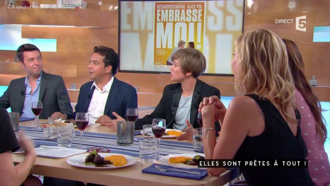 VIDEO – Pourquoi Anne-Sophie Lapix refuse le cadeau d'Alice Pol?