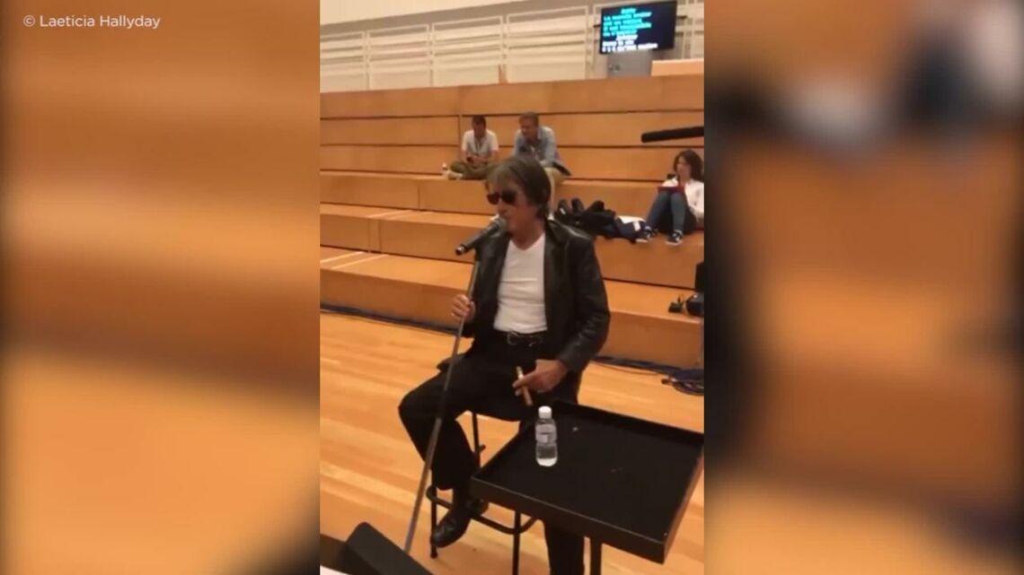 VIDEO – Johnny Hallyday, en pleine forme pour les répétitions des Vieilles Canailles