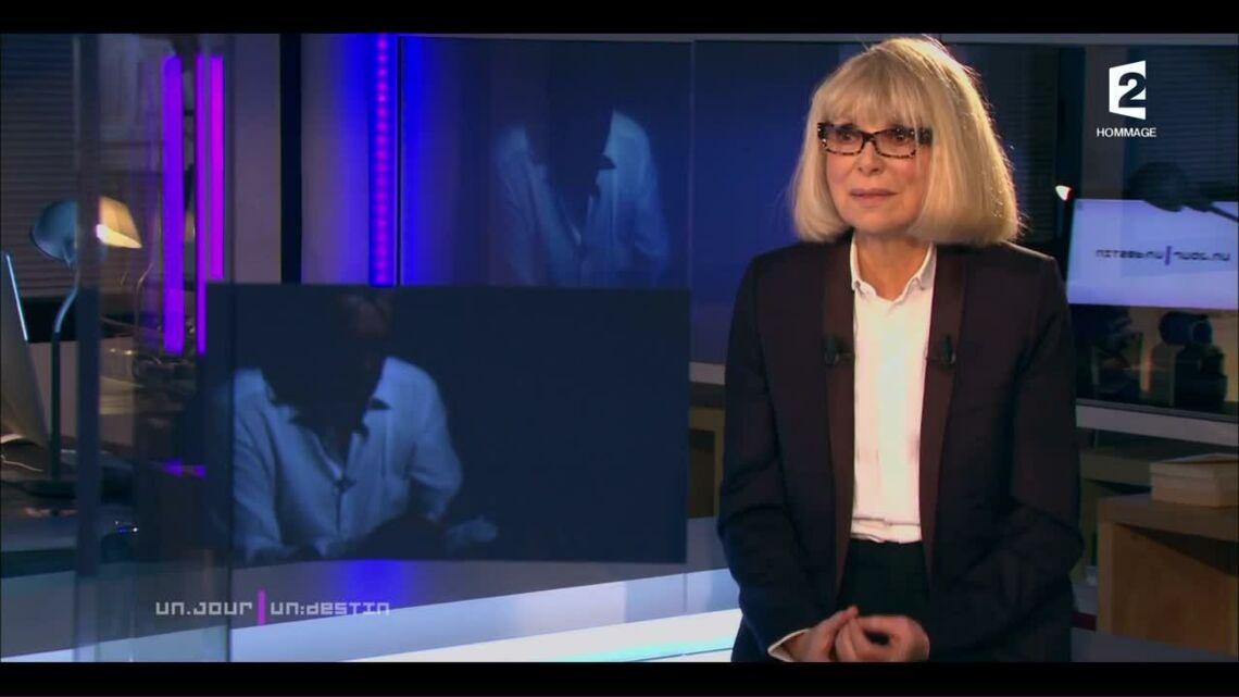 VIDEO – Alain Delon au bord des larmes en lisant une lettre d'amour de Mireille Darc