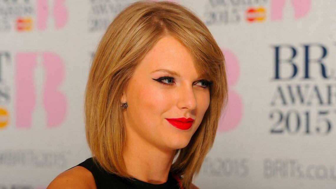 VIDEO – Agressée sexuellement par une DJ, Taylor Swift courageuse et en larmes, remporte son procès