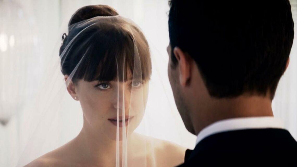 VIDEO – Cinquante nuances plus claires…: Entre deux coups de cravache, ils se disent «oui»