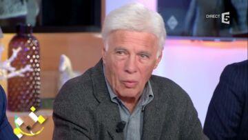 VIDEO – Guy Bedos très éprouvé en évoquant la mort de son ami Jean Rochefort dans «C à Vous»