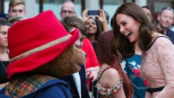 VIDEO – Enceinte, Kate Middleton ose une danse endiablée avec l'ours Paddington
