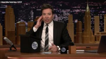"VIDEO- Philippe Kate­rine et sa ""mous­tache"" enflamment le plateau de Jimmy Fallon"