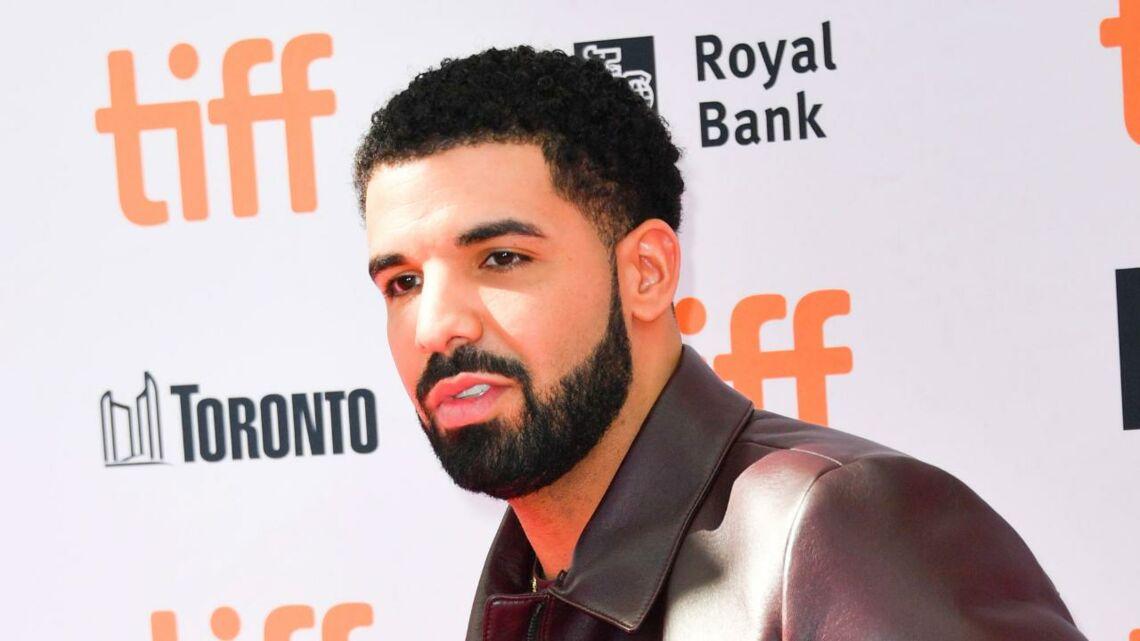 VIDEO – En plein concert, Drake interrompt son show pour menacer un agresseur sexuel dans la foule