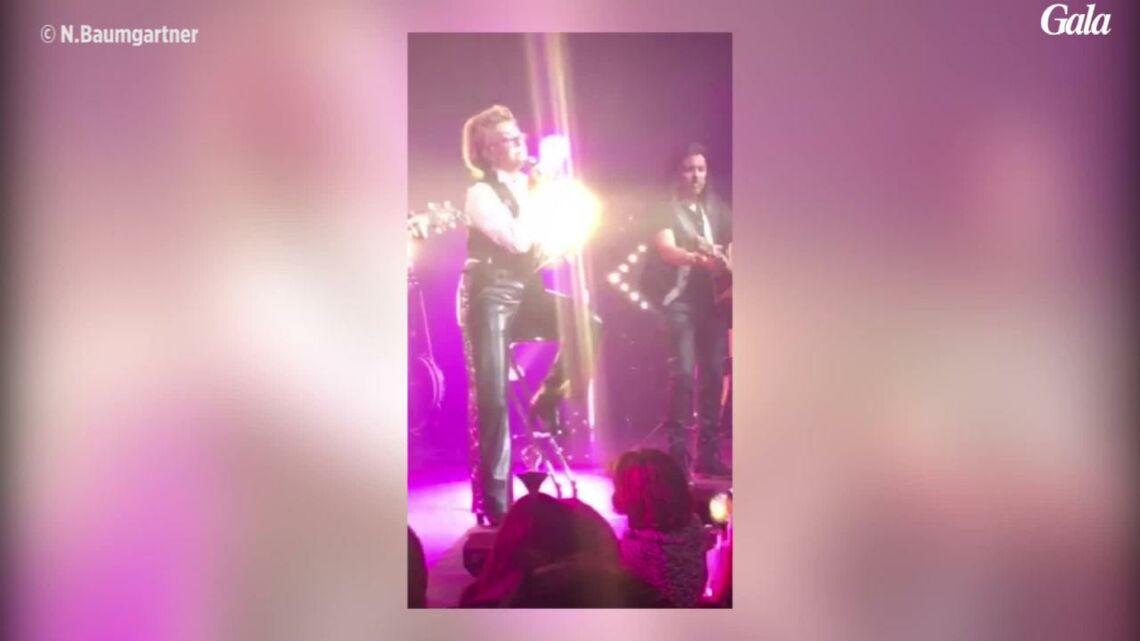 VIDEO – Sheila, son tendre hommage sur scène à Johnny Hallyday