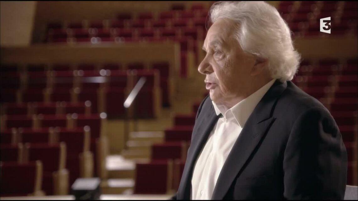 VIDEO – Michel Sardou, hilare en regardant les images de la Famille Bélier où il est comparé à Mozart