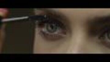 Vidéo – Cara Delevingne baby-doll pour Yves Saint Laurent