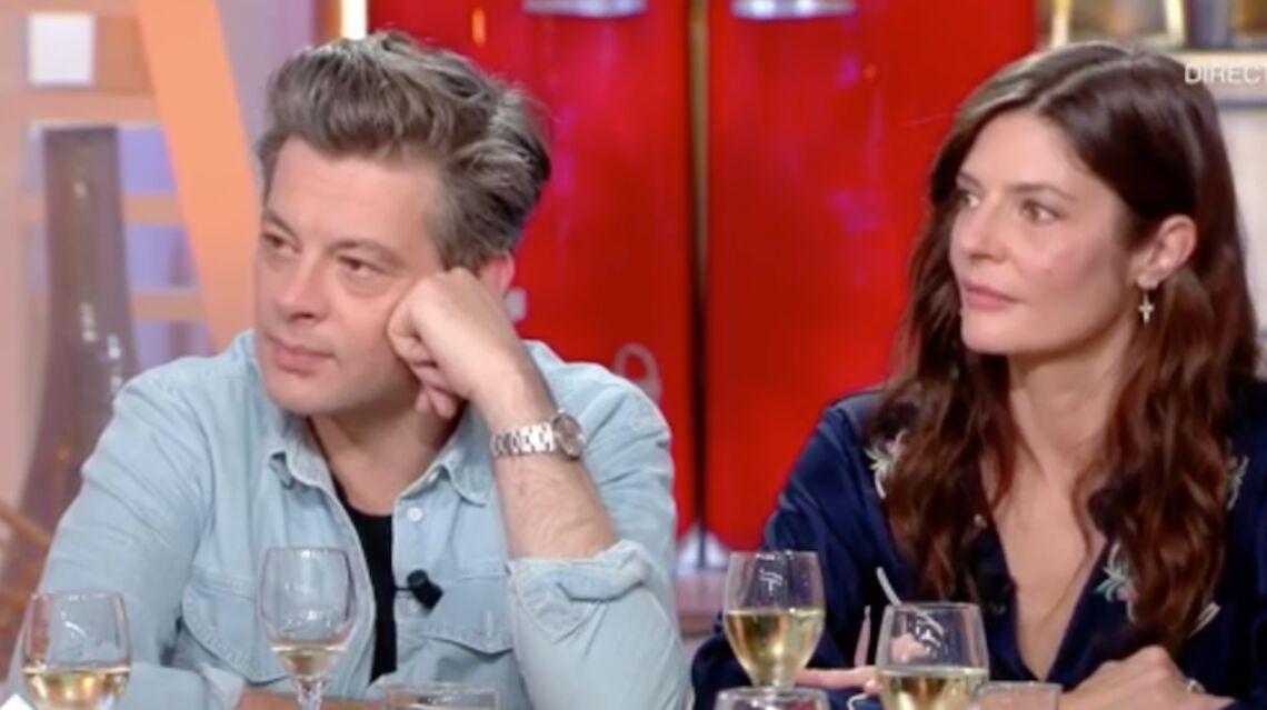 VIDEO – Benjamin Biolay très ému explique sa chanson hommage à son ami chanteur décédé Hubert Mounier