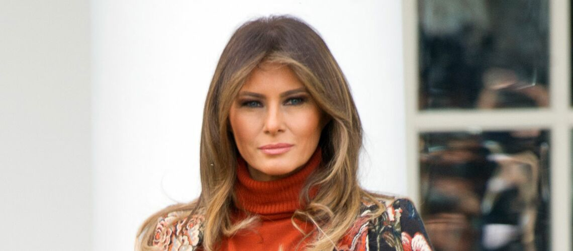 PHOTOS – Melania Trump fait son défilé en Stella McCartney: son manteau ne passe pas inaperçu