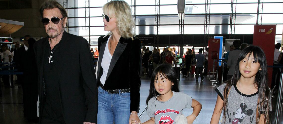 Mort de Johnny Hallyday – Jade et Joy, deux fillettes bien entourées