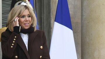 PHOTOS – Brigitte Macron époustouflante en Balmain pour un sommet diplomatique