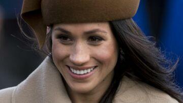 Meghan Markle tire la langue devant les fans de la famille royale pour rire