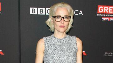 PHOTOS – Gillian Anderson, la star de la série X-Files canon en blonde platine!