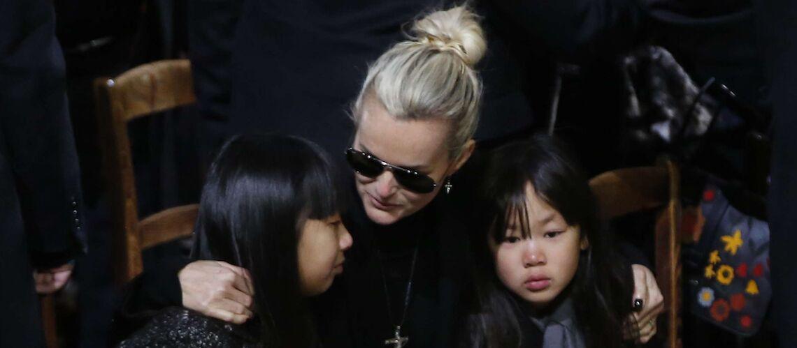 Jade et Joy Hallyday, le deuil de leur papa leur a «été volé par le public»