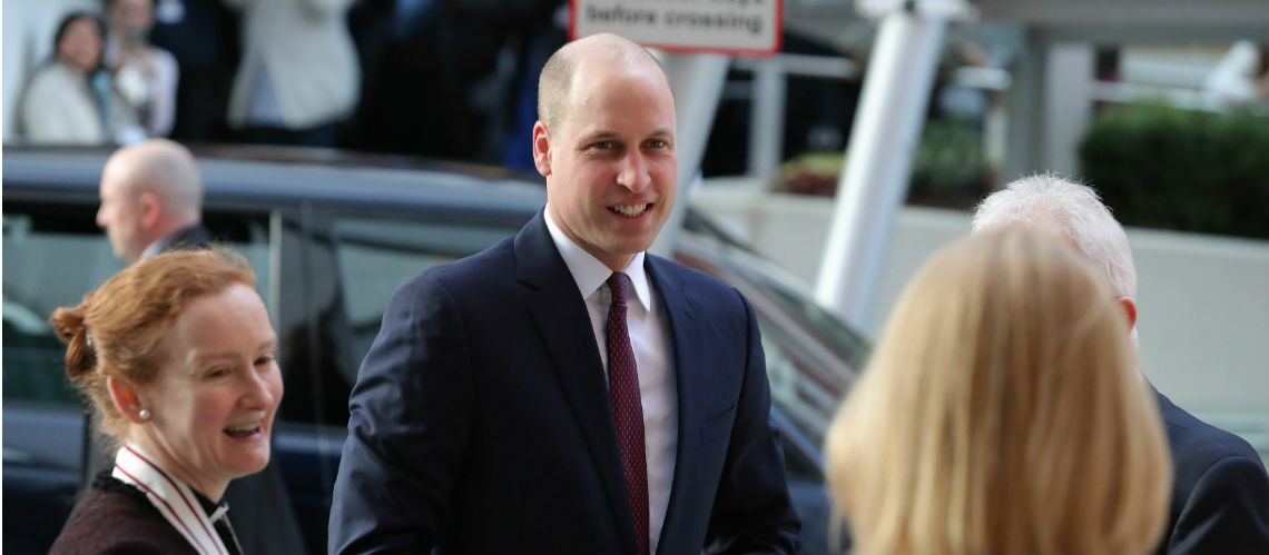 PHOTOS – Le prince William change de tête et se rase le crâne!
