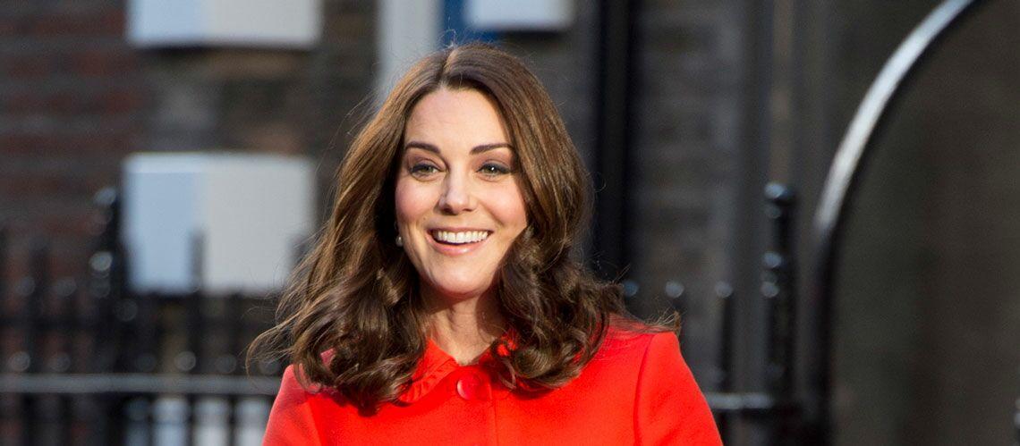 PHOTOS – Kate Middleton aperçue sans sa bague de fiançailles, la presse anglaise intriguée