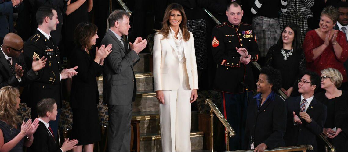 PHOTOS – Face à Donald Trump, qui l'aurait trompée, Melania Trump choisit une tenue symbolique