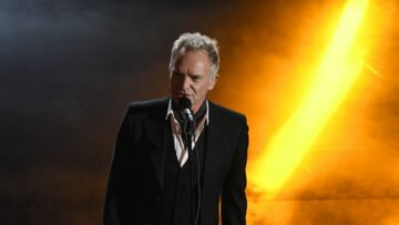 Victoires de la musique – Sting compare Johnny Hally­day à Elvis Pres­ley