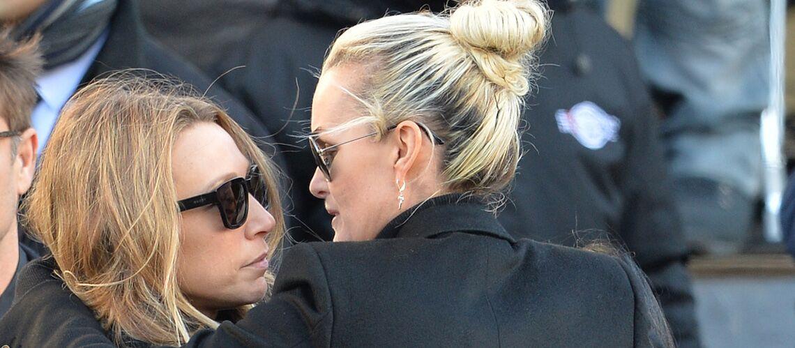 Laeticia Hallyday et Laura Smet rivales: leurs 8 ans de différence d'âge n'ont pas aidé selon le biographe de Johnny