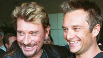 VIDEO – Les rapports étaient tendus entre David et Johnny Hally­day au moment de sa mort
