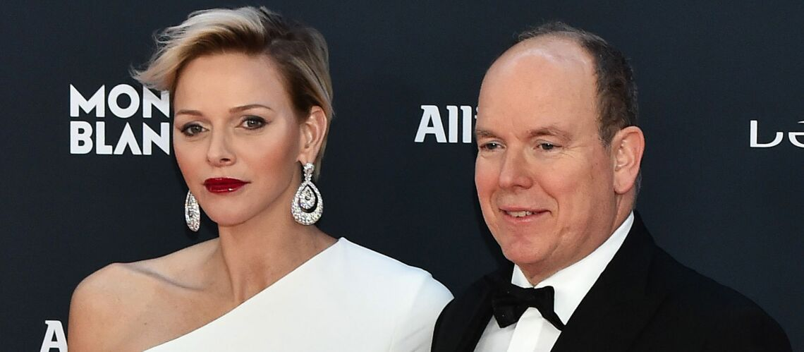 PHOTOS – Charlene de Monaco dévoile sa nouvelle coupe de cheveux lors d'une soirée au côté de son mari Albert, en baskets pour l'occasion