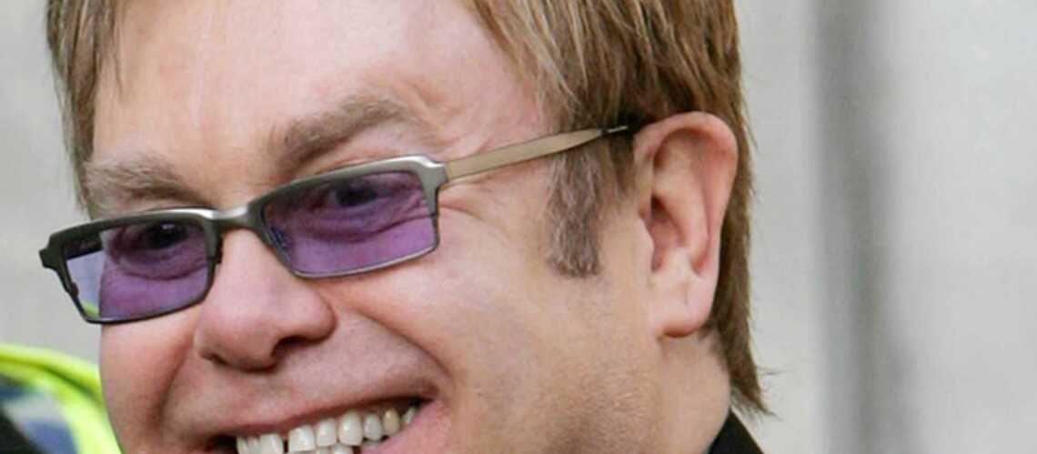 Elton John: ses excuses à Madonna