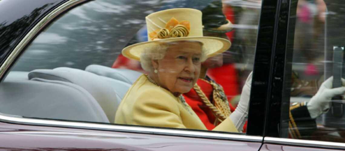 Mariage Royal: Color Block pour la Reine Elizabeth II