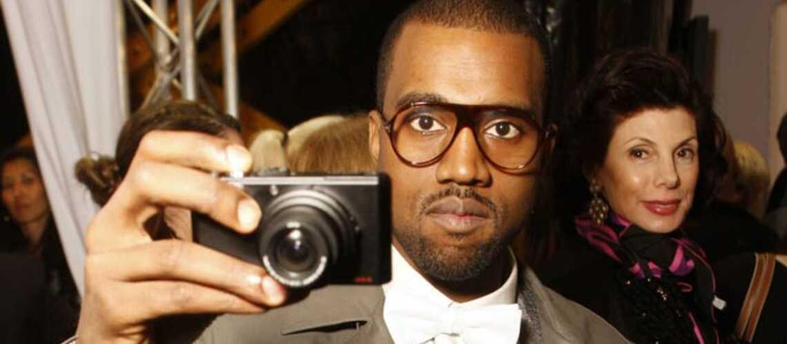 PHOTOS – Kanye West: ses cheveux voient la vie en rose et en jaune