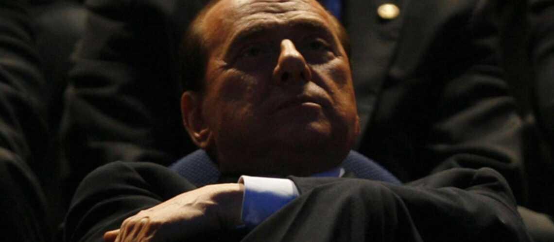 Silvio Berlusconi: «Fichez-moi la paix!»