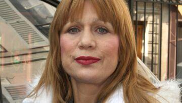 «J'espère qu'elle ne m'en voudra pas», Stone raconte dans son livre l'amourette de Julie Gayet avec son fils