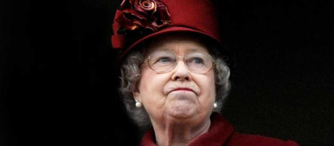Elisabeth II lance un SOS
