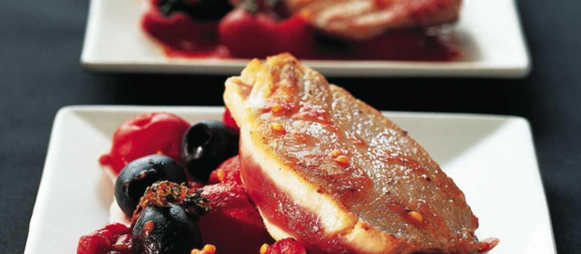 Filet de thon aux tomates et aux olives