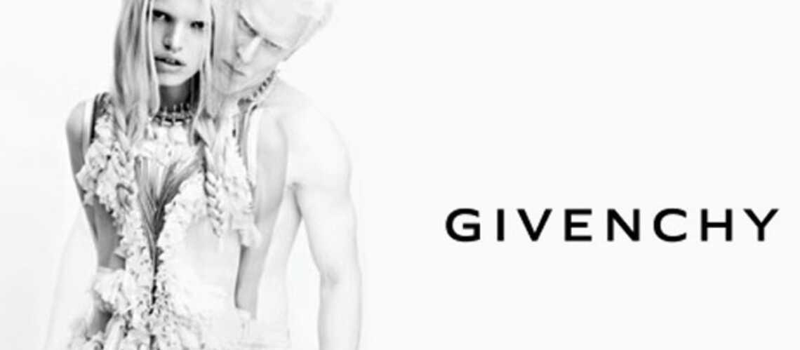 Un mannequin albinos chez Givenchy
