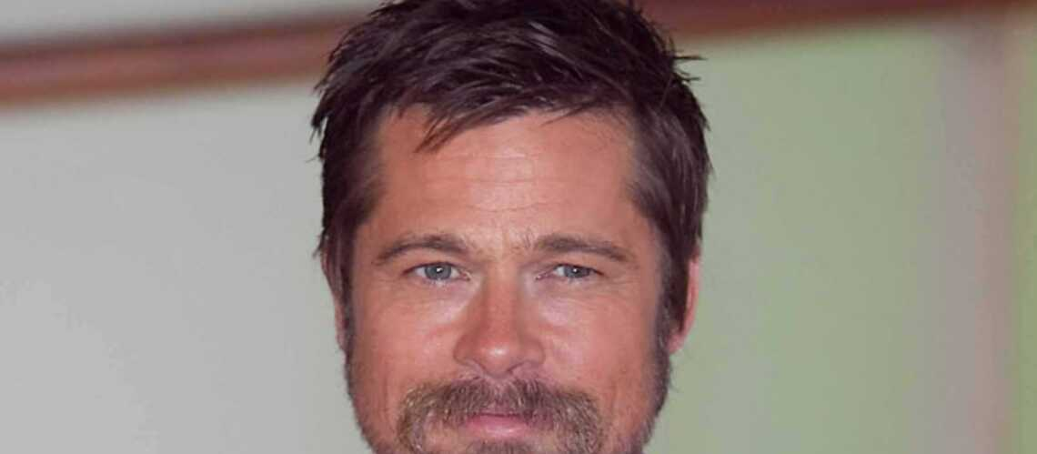 Brad Pitt se vend pour la bonne cause