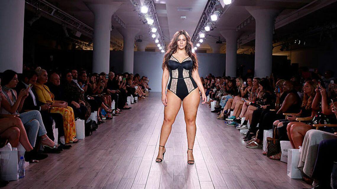 VIDEO – Ashley Graham, la mannequin ronde a enflammé la fashion week de New York