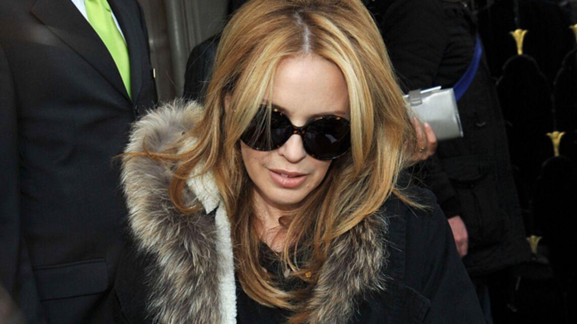 Vidéo- Kylie Minogue à Paris pour… voir son dentiste!