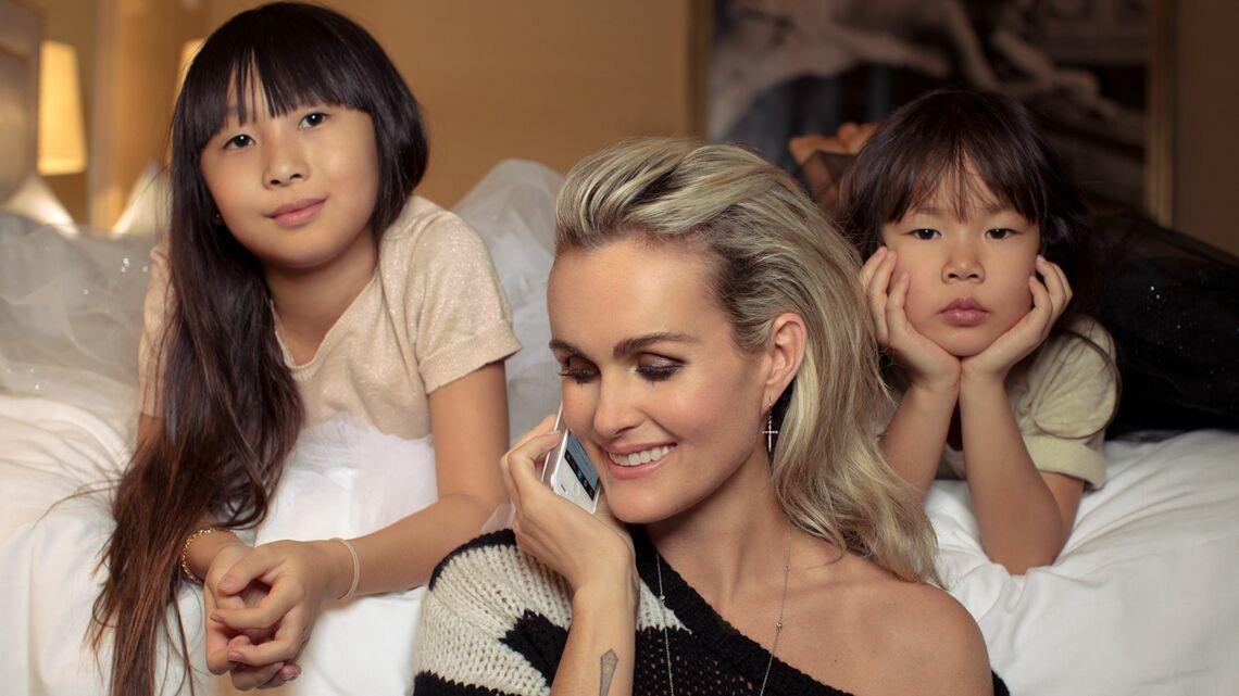 Vidéo- Laeticia Hallyday et ses filles: les coulisses de notre rencontre